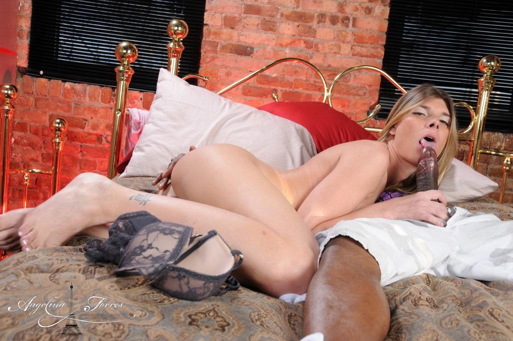 Angelina Rides A Huge Black Tool