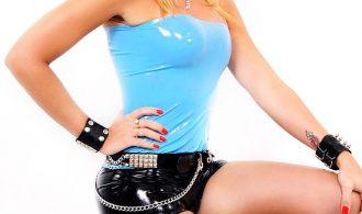 Blonde Femboy Kanandra Hickman Flashes Off In Latex