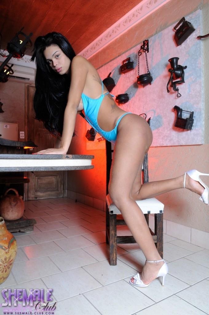 Busty Juliana Exposing Her Flirtatious Body