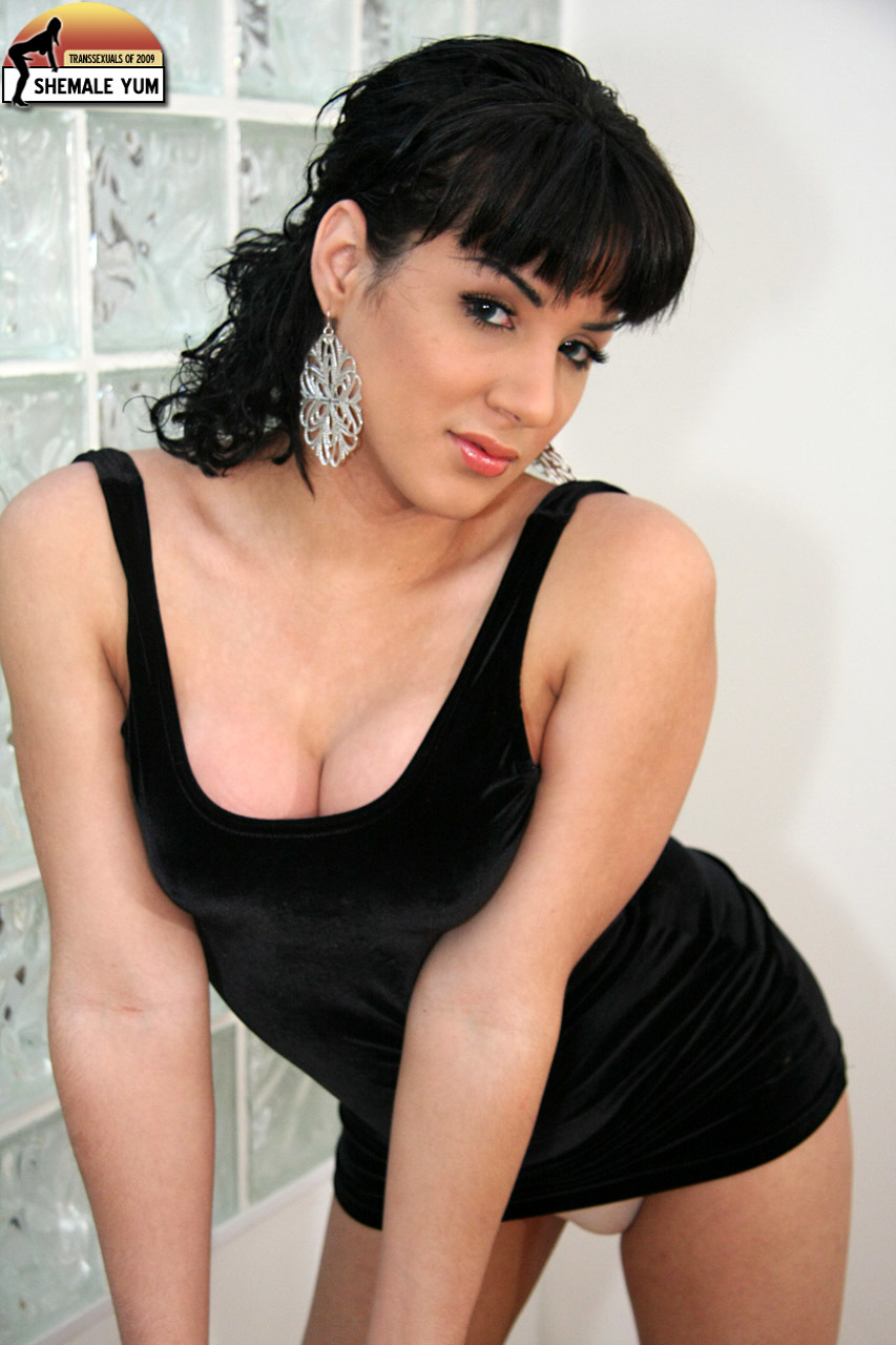 Classy Femboy Melanie Craves Showing Off Her Rock Raw Un Cut