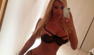 Curvy Transexual Girlfriend With An Awesome Body In The Mirr