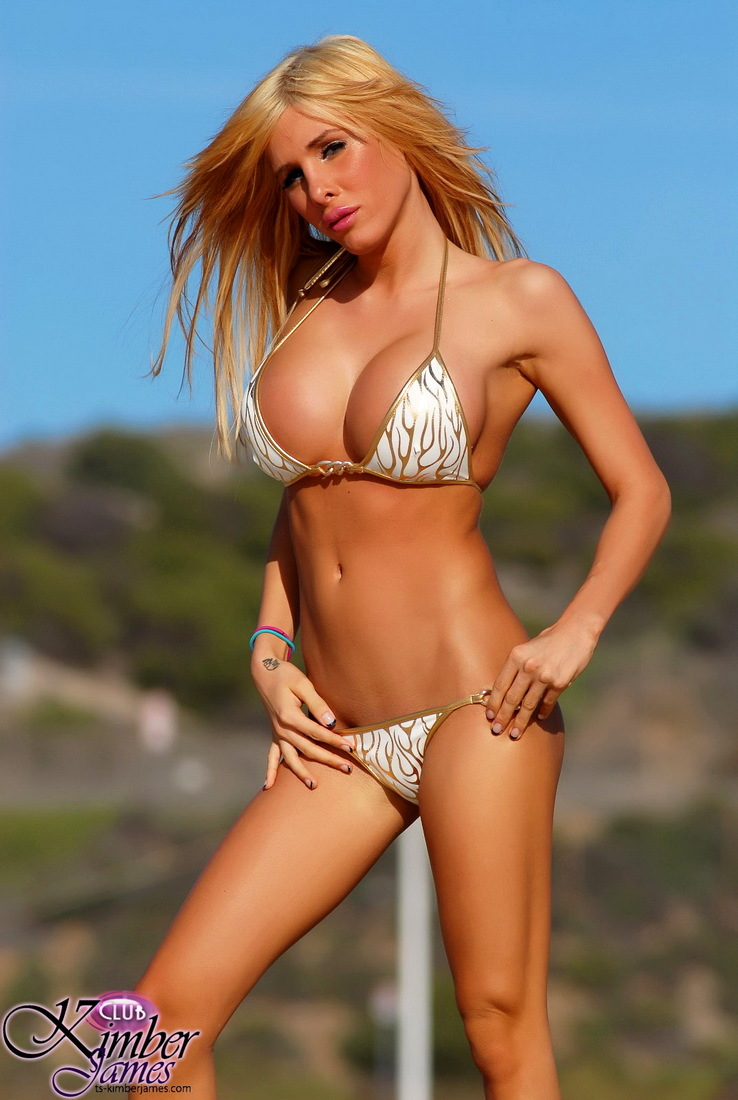 Cute Hottie Kimber James Posing At The Beach