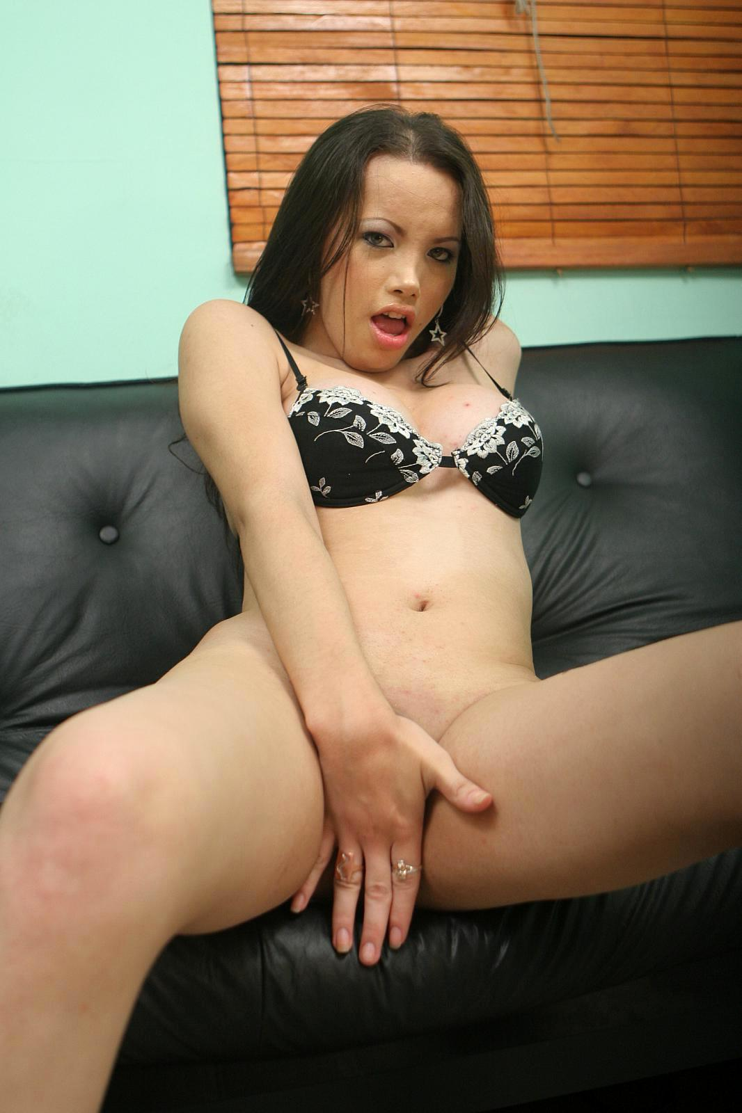 Filthy Ts Deborah Pleasing Her Eager Tool Until She Jizzes