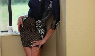 Gorgeous Ladyboy Jonelle Posing
