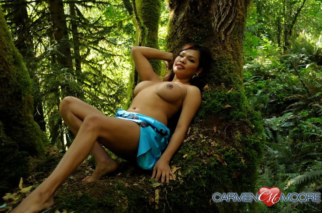 Hot Carmen Posing With Mia On A Mystical Tree