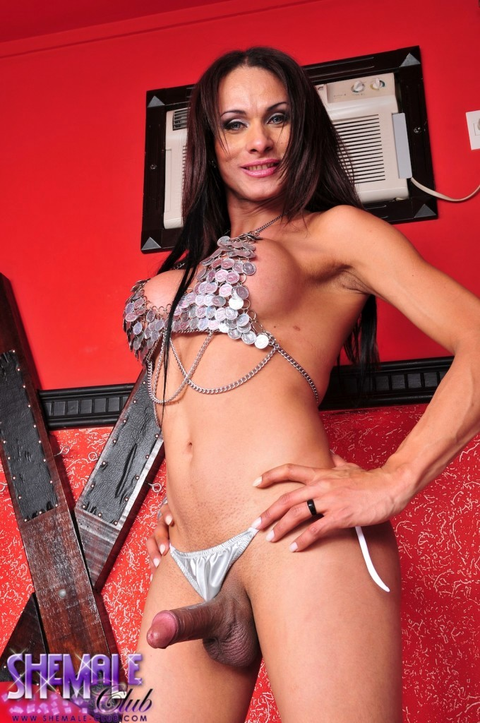 Hungry T-Girl Chielsa Flashes Off Her Enormous Meaty Tool