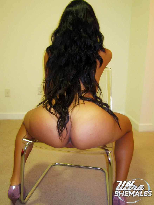 Latina Femboy Bella Priscilla Playing With A Pink Vibrating