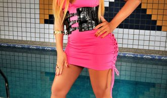 Mega Tool Blonde Ladyboy Poses By The Pool
