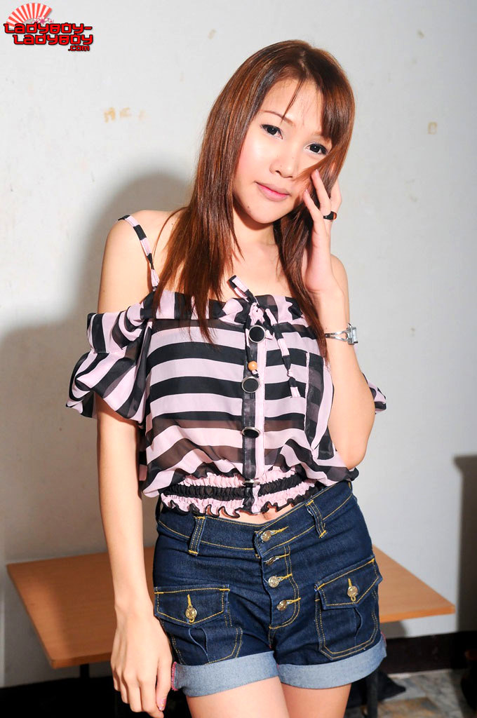 Pang Is A Suggestive T-Girl With A Killer Body!