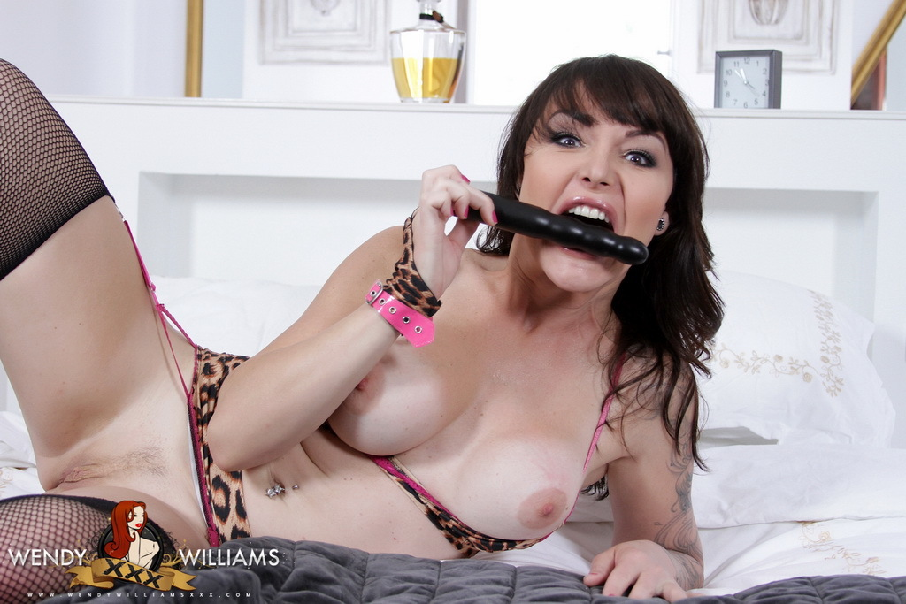 Post Op Danielle Foxx Banging Her Fat Cunt