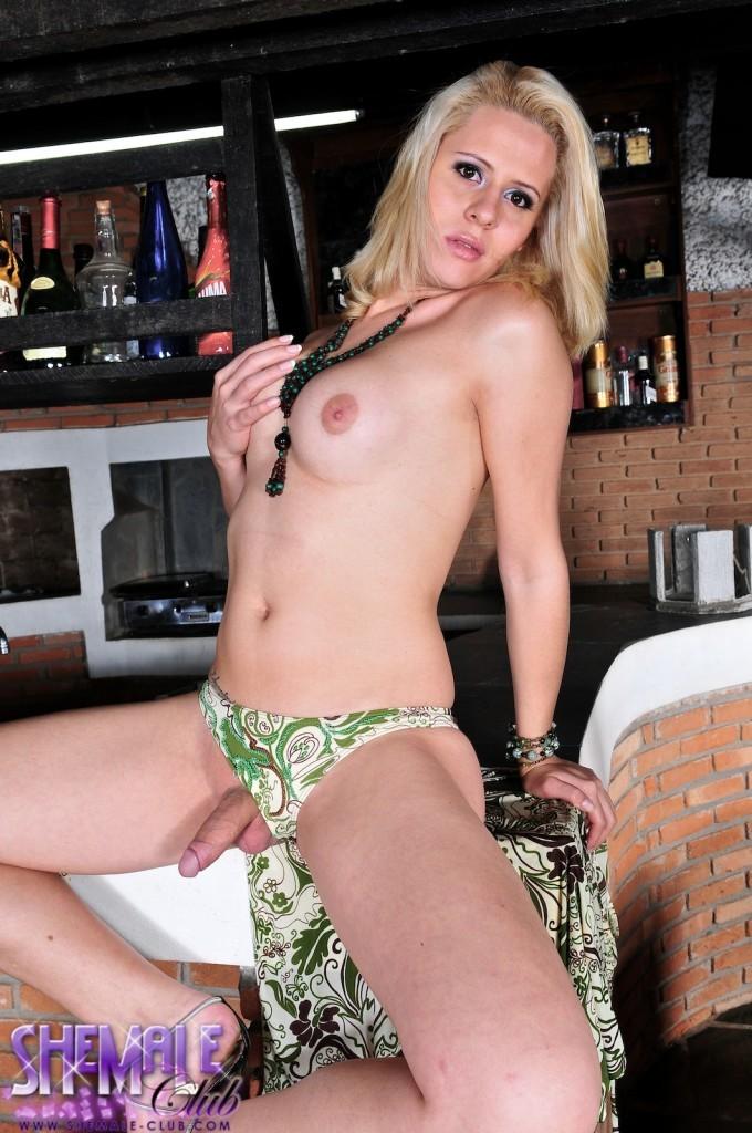 Racy Ts Blondie Mel Voquel Posing