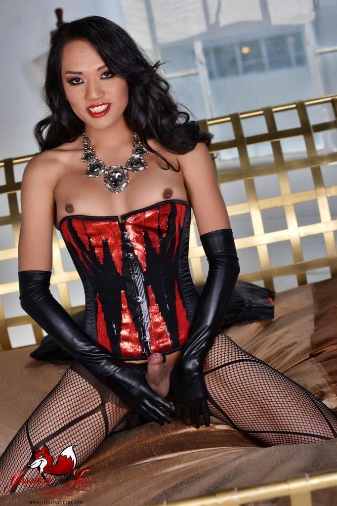 Rock Rough Hottie Jessica Stroking