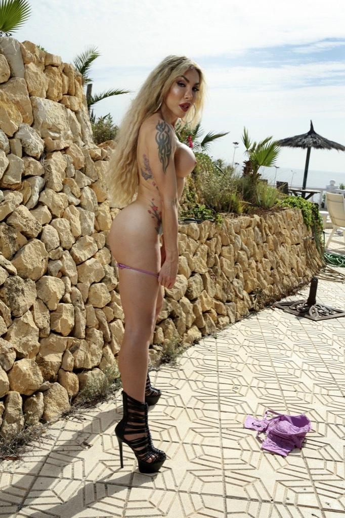 Sensuous Eva Naked And Naughty Again