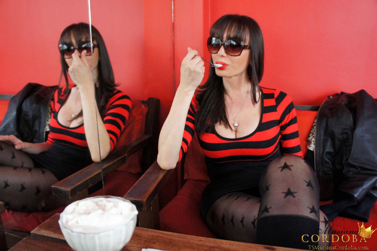 T-Girl Bulge Courtesy Of The Super Hung TS Mariana Cordoba