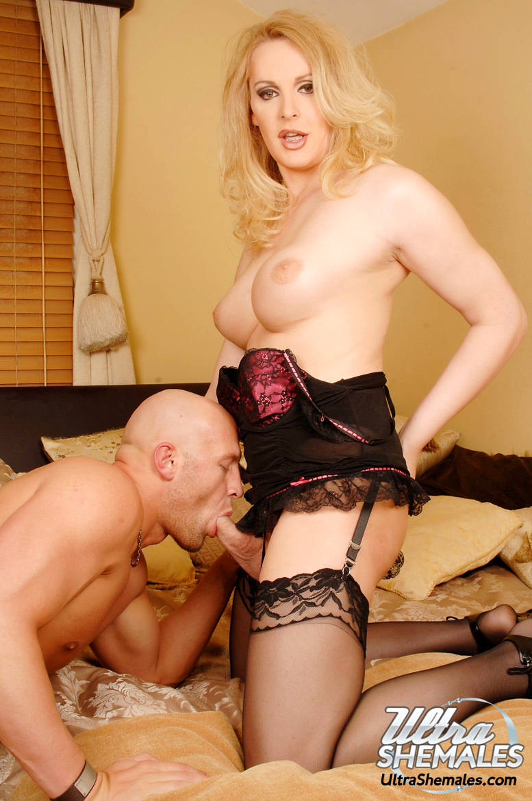 TGirl MILF Gets A Huge Rough Butt In Her Mouth And Asshole