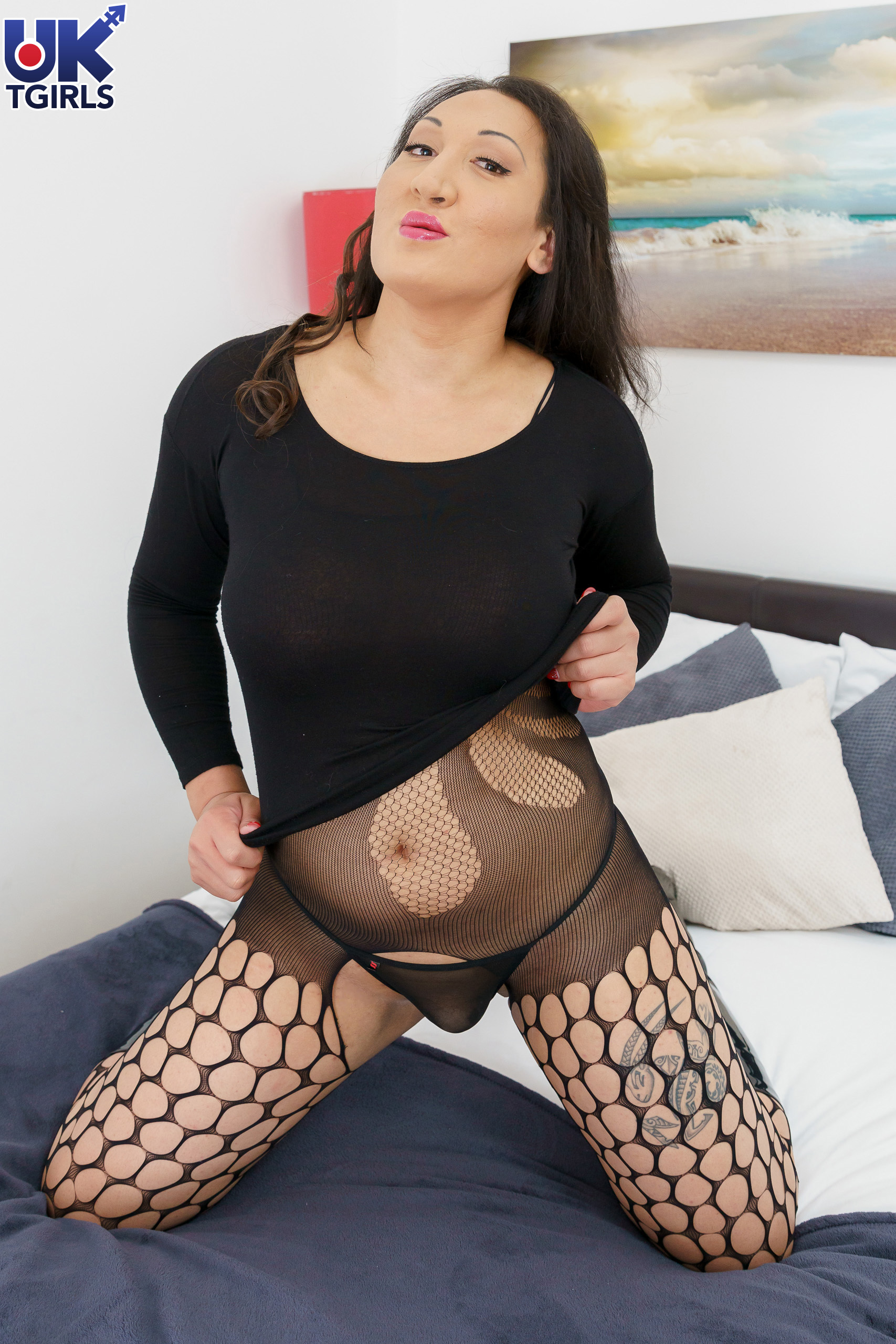 This Arousing Babe Has An Exo