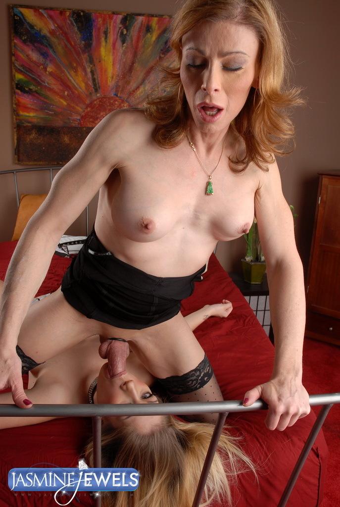 Transsexual MILF Training Her Tiny Bitch