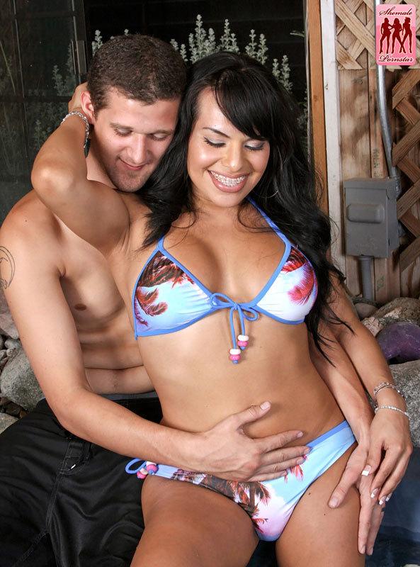 TS Foxxy Ladyboy Pornstar Rough Sensuous Tub Sex Pics