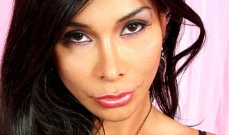 TS Vaniity Returns To T-Girl Pornstar For Another Hot Stri