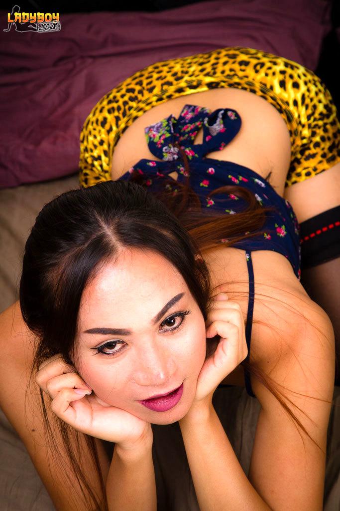 Ying Stroke's Her Yang!