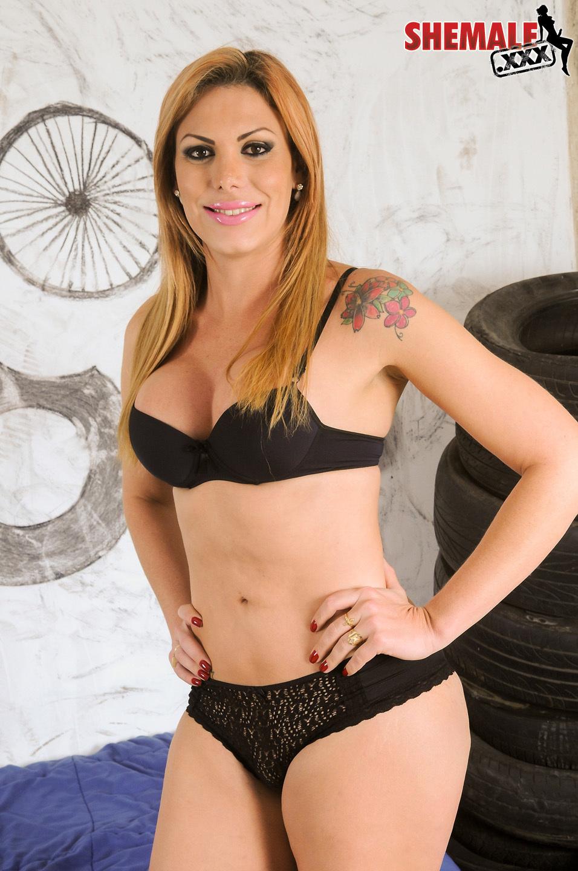 Suggestive Kananda Hickmann Is A Splendid Brazilian Ladyboy Wit